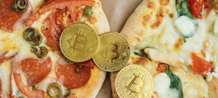 bitcoin munten op pizza's